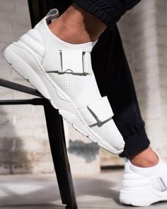 "971 mentions J'aime, 4 commentaires - Filling Pieces Footwear (@fillingpieces) sur Instagram : ""This style has comfortable sock-like uppers that are secured with athletic velcro and elastic…"""
