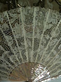 prior pinner: Rosemary Cathcart Antique Lace and Vintage Fashion: Antique Irish Lace Fans