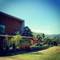 my second home! 自然に恵まれた我らの別荘です! 今は親が住んでます^^ #home #villa #seoul #Korea #nature #green #father #mother #tree #instacool #instagramer #architecture #blue #spring #別荘 #ソウル #韓国 #建築 #春 #母 #父 #家族 #自然 #綺麗 #곤지암 #별장 #자연 #하늘 #봄 #건축
