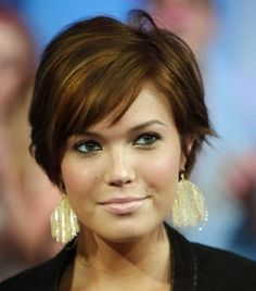 Short hairstyles for round face - more here!