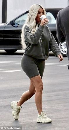 Kim Kardashian flaunts her figure in six Yeezy outfits She's always been a champion of the sports luxe look. And Kim showed just how versatile the trend is as she slipped into no less than six outfits for a photoshoot. Kim Kardashian Outfit, Kim Kardashian Yeezy, Estilo Kardashian, Robert Kardashian, Kardashian Style, Kardashian Fashion, Short Outfits, Casual Outfits, Cute Outfits