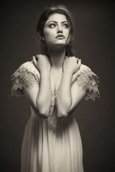 Phoebe Tonkin - Hayley - TVD - The Vampire Diaries