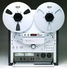vintage Akai audiophile open-reel recorder masterpiece and bestseller Cd Audio, Audio Sound, Hifi Audio, Audio Speakers, Recording Equipment, Audio Equipment, Cassette Vhs, Retro, Speaker Amplifier