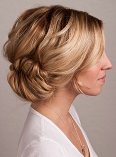 Up do for a beach wedding - soft, low bun. #wedding #hair. Via Six Sisters' Stuff.