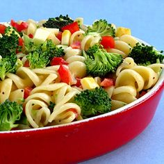 Summer Pasta Salad A healthy twenty minute side dish that can be scaled up for a fast and easy dinner with some grilled chicken. Healthy Pasta Salad, Summer Pasta Salad, Healthy Pastas, Pasta Salad Recipes, Healthy Recipes, Summer Salads, Summertime Salads, Great Recipes, Dinner Recipes