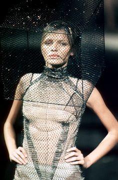 1999 - Alexander McQueen Show - Esther Canadas