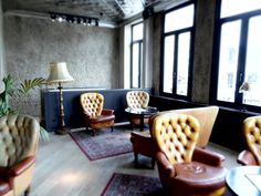– EN – Strolling around Antwerp Zuid our eyes stumbled upon the Shilling corner. Color Tile, Leather Sofa, Cosy, Tiles, Dining Chairs, Flooring, Interior Design, Furniture, Home Decor
