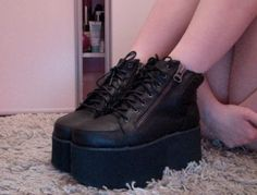 I love platform boots so much; Sock Shoes, Cute Shoes, Me Too Shoes, Shoe Boots, Shoes Heels, Bottes Goth, Goth Boots, Kawaii Shoes, Mens Shoes Online