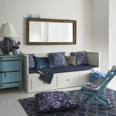 ikea daybed could have a pull out underneath and used as extra sleeping in the kitchen/dinning room. Maybe a coral accent Blue Rooms, Blue Living Room, Room Inspiration, Living Room Decor, Daybed Room, Living Room, Home, Childrens Room Storage, Room