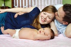 laid back family photos with a toddler and a newborn