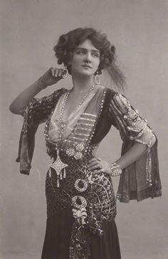 Lily Elsie by Foulsham & Banfield, 1907