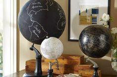 Wereldbol maken - Een unieke DIY. Koop een wereldbol en een pot krijtverf. Heb je deze aangeschaft? Dan je beginnen met het maken van jouw eigen wereldbol!