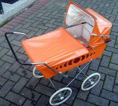 Dachbodenfund-Alter-Puppenwagen-aus-Holland-60er-70er-Jahre