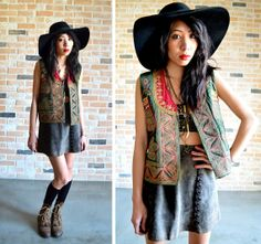 70s gypsy peacock embroidered vest - bohemian hippie desert top - gorgeous heavy embroidery - medium M large L