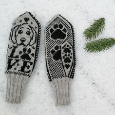 Strikkeoppskrift: Barnevotter med and og kanin #strikkeoppskriftvotter - birsen Fingerless Gloves Crochet Pattern, Mittens Pattern, Knit Mittens, Cat Pattern, Days Before Christmas, Knitting Charts, Drops Design, Ravelry, Giraffe
