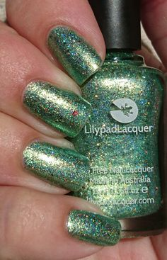 Lilypad lacquer take me away hypnotic polish exclusve in the sun 🌞