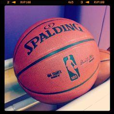 """""""Pau Gasol, la última jugada de una leyenda del baloncesto"""", en @elpaissemanal y en www.alvarocorcuera.com/?project=pau-gasol-la-ultima-jugada-de-una-leyenda-del-baloncesto Basketball, Sports, Legends, Hs Sports, Sport, Netball"""