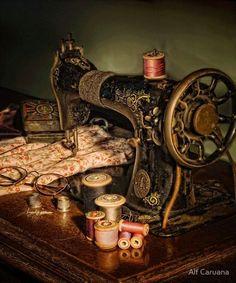 Швейная машина в живописи. - Очарование старинных кукол