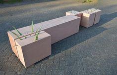 Ronald van der Meijs.  materials: Aloë Vera cactus, plywood size: 285 x 45 x 60 cm (lxhxw) year: april 2016