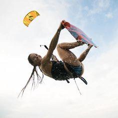 ・・・ ☀️ @mgsurfline #WaterwearForAPlasticFreeOcean #Cabrinha #LiveFreeRideFree #Dakine #GoPro #GoProGirl #JungleMamaNaturals . . . #CabrinhaTeam  #kitesurfing #kiteboarding #kiteboard #thekiteshow #kitesurfingworld #kitedose #kiteground #kiteboardgram #kitesurfers #wateraddicts #KiteGirl  #Outdoorwomen #Outdoorbella #GetOutside #Waterlust #kitesista #kiteboardgirls #girlsandkites #kitemovement #thekiteshots #letskitesurf