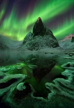 Aurora, Ogilvie Mountains, Tombstone Territorial Park, Yukon, Canada.   Photo: Marc Adamus, via 500px