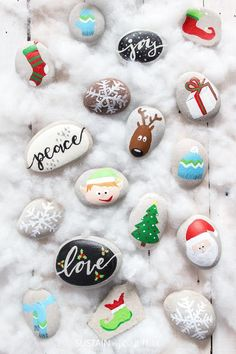 Over a dozen Christmas Rock Painting Ideas! Rock painting Christmas holidays | Canadian bloggers craft hop | #christmascrafts #rockpainting #rusticchristmas | step-by-step DIY rock painting tutorial for beginners | Festive painted beach stones