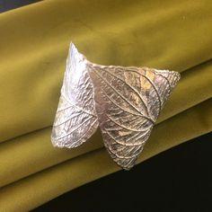 30 отметок «Нравится», 1 комментариев — Ирина Баласанова (@balasanova_irina) в Instagram: «🍃 Листья браслет, http://www.livemaster.ru/item/2410762…, медь, серебрение. Можно патинировать. На…»