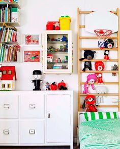 Koteja ja lastenhuoneita