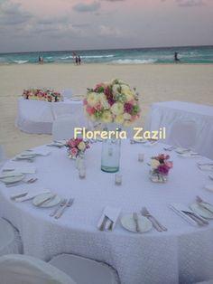 Beach wedding #cancunweddingflowers
