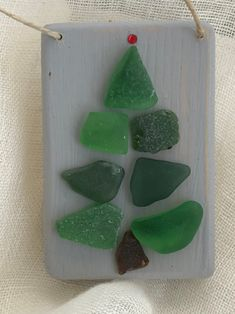 Excited to share the latest addition to my shop: Seaglass christmas tree/seaglass ornament /seaglass christmas tree ornament christmas skits, christmas lanterns ideas, christmas zentangle ideas Sea Glass Crafts, Sea Crafts, Seashell Crafts, Rock Crafts, Gift Crafts, Sea Glass Mosaic, Sea Glass Beach, Sea Glass Art, Stained Glass