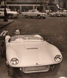 Saab Sonett Super Sport visades i april 1956 på Coliseum i New York, på den internationella bilsalongen där också Saab 93 introducerades. Konstruktören Lars-Olov Olson fick äran att följa med bilen till USA.