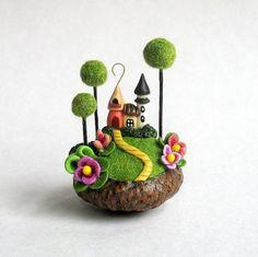 Miniatur Giftpilz Fairy House Kolonie im Acorn von ArtisticSpirit