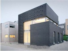 In this post we cover 5 ways of making brick the main character of residential design. See how brick is used in modern architecture to create a luxury home. Brick Architecture, Sustainable Architecture, Residential Architecture, Interior Architecture, Architecture Classique, Architecture Details, Brick Building, Building Design, Green Building