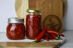 Homemade Sweet Chilli Sauce tastes amazing and is great as a dipping sauce or drizzled over your favourite Mexican dish, wedges or added to a stir fry. Lemon Recipes, Jam Recipes, Side Recipes, Chilli Jam, Sweet Chilli Sauce, Mexican Dishes, Mexican Food Recipes, Mexican Meals, Mexican Chilli