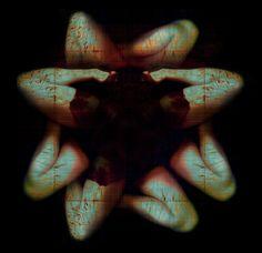 Uma a uma... As pétalas | num corpo de mulher apenas gomos um por um. Desviar os lábios mas entreabri-los também as coxas. Até ao vácuo num arfar lento o vício num caminhar sedento. Têm todos os anjos o vício da queda? (Maria Tereza Horta - Os anjos – I)   (Photo: Carla Salgueiro)