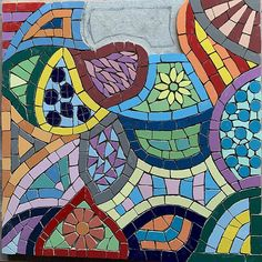 Last shape to #mosaic - what colours shall I choose? #mosaics #art #garden #steppingstone