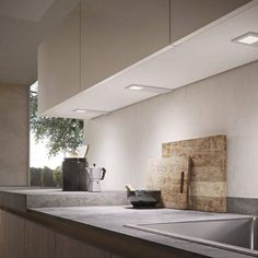 Domus Line Polar LED-valo varastossamme, alumiininen, paksuus vain 4 mm, helppo kiinnitys kahdella ruuvilla. Lue lisää www.helakeskus.fi…