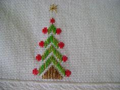 Toalha bordada em ponto reto Natal