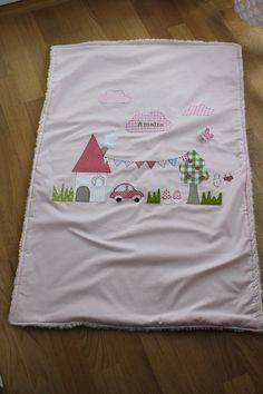 "Babydecke/Krabbeldecke ""kleine Welt"" Quilt Baby, Creative Embroidery, Embroidery Designs, Cute Quilts, Art Corner, Sewing Pillows, Girls Quilts, Baby Kind, Easy Sewing Projects"