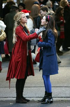 serena and blair gossip girl Gossip Girl Blair, Gossip Girls, Gossip Girl Serena, Gossip Girl Quotes, Gossip Girl Outfits, Gossip Girl Fashion, Blair And Serena, Serena Van, Celebrity Look