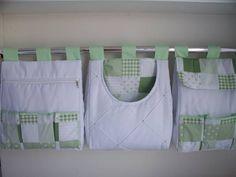 Porta fralda é uma peça linda pode ser fabricada combinando com o kit do berço Porta fralda 3 peças Tecido:fustão colegial 100% algodão Medidas:30x40 cada R$ 115,92