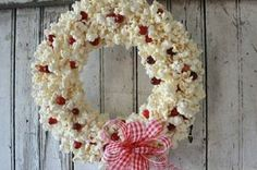 This wreath is so, so simple! If you like the look of popcorn garland… :: Hometalk