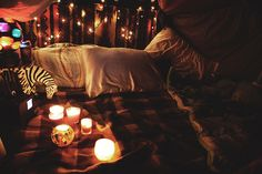 Oh my gosh a blanket fort! This would be the most romantic way to PROPOSE like if you came home and your guy had built you a blanket fort with wine, cheese, bread, and fruit and then proposed in your blanket tent? Indoor Forts, Build A Fort, Perfect Date, Lounge, Cozy Place, Build Your Own, Staycation, Sleepover, My Room
