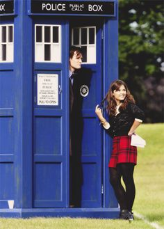 Filming the Christmas special. I LOVE Clara's outfit! Is it just me or does the TARDIS look different?