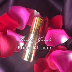 Even more than our popular rose butter, it takes TWENTY FIVE DOZEN organic roses to distill enough pure rose essential oil for just one product. Really Good™ Rose Elixir is the crème de la crème of face oils. The scent is an exquisite! Click through to learn more... | #DirectToConsumer #HolyGrail #RoseFaceOil #IndieBeauty #GreenBeauty #CleanBeauty #NontoxicSkincare #FreshIsBest #SwitchToSafer #SwitchToSafe #Skincare