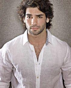 Smart Hairstyles, Trendy Mens Hairstyles, Just Beautiful Men, Beautiful Men Faces, Turkish Men, Turkish Actors, Princess Inspired Outfits, Greek Men, Model Face