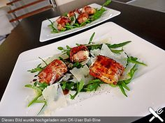 Gebratener Schafskäse im Speckmantel auf Rucola-Parmesan-Salat Fried sheep's cheese wrapped in bacon on arugula and parmesan salad, a nice recipe from the meat and sausage category. Sheep Cheese, Cheese Wrap, Healthy Snacks, Healthy Recipes, Italy Food, Tortellini, Italian Recipes, Food Inspiration, Salad Recipes