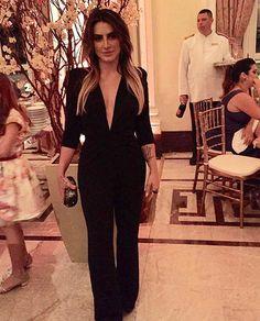Elas usam Carol Bassi - a gatíssima @cleopires_oficial com o macacão em lurex preto, peça icônica de nossa coleção. Styling @rodrigogrunfeld e @aleduprat  They wear CB - the stunning Cleo Pires wearing the black lurex jumpsuit, iconic item from our collection. Styling Rodrigo Grunfeld and Ale Duprat #carolbassi #carolbassibrand #lurexmania #fhits #aliceferrazpr @fhits @aliceferrazpr