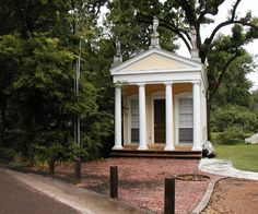 Greek Temple Folly That Echoes The Architecture Of The House Garden House Pinterest
