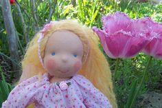 RESERVIERT! Elfchen Marilina liebt Süßes ... von Himmelblau Puppen auf DaWanda.com